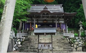 Shirakawa Hachiman Shrine